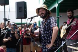 El Kanka derrocha arte y hace saltar al público de Sonidos Líquidos